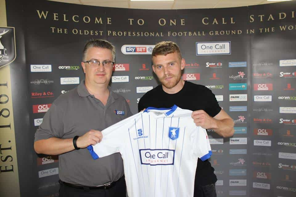 Your IT Department Director of Sales & Marketing Craig Pearson with sponsored player Alfie Potter of Mansfield Town